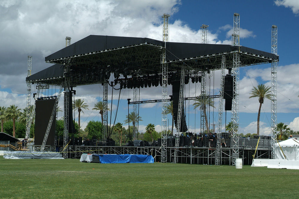 how to set up a stage sound system